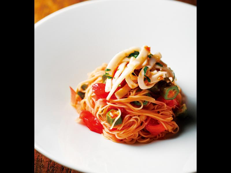 [RECIPE]トマト、オクラ、みょうが、梅肉、イカで作る 真夏のカッペリーニ